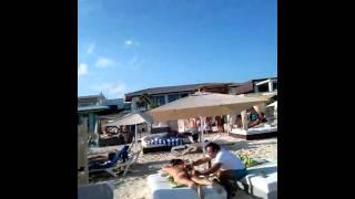 Playa del Carmen bailando tecno (mamitas)