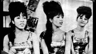 The Ronettes - Walking In The Rain - Stereo