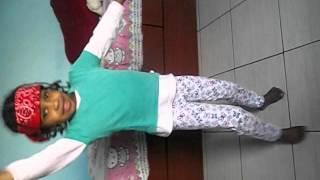Luisa 5 aninhos dançando black