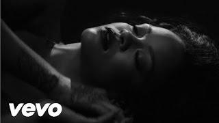 Rihanna - Kiss It Better (Explicit) Official Video Makeup Tutorial