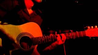 Chris Leo music video, The Word Is, bar Sputnik Fe
