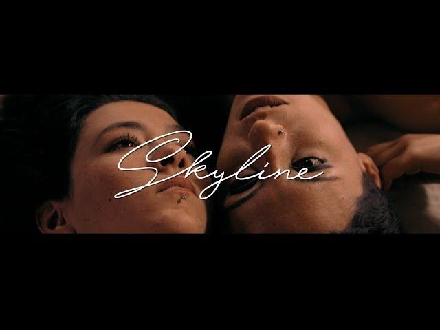 """Videoclip oficial de la canción """"Skyline"""" de Apalanke""""."""