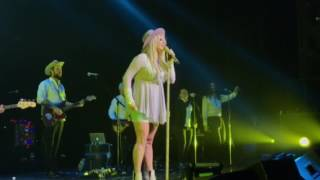 Kesha And The Creepies performing Die Young live at Foxwoods CT 2-15-17