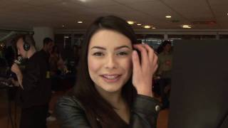 Miranda Cosgrove's Sparks Fly Toys R Us Celebration