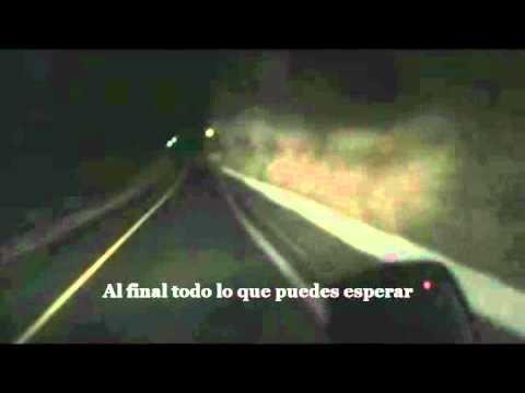 Bones En Espanol de Editors Letra y Video