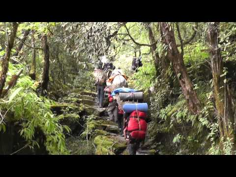 peak trekking nepal