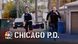 Chicago PD - Halstead and Amaro's Wild Foot Chase (Episode Highlight)