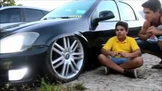 Moleque de 12 anos já tem seu carro baixo