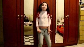 laysa cantando  musica da jaqueline