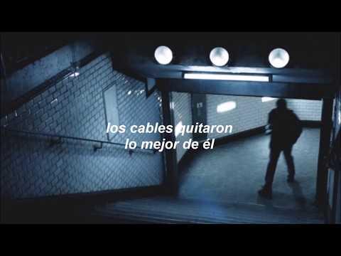 Wires En Espanol de The Neighbourhood Letra y Video