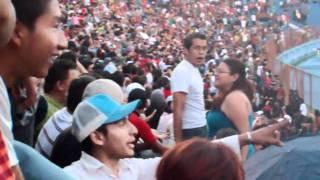 Calle 13 en El salvador - DESORDEN EN LAS GRADAS