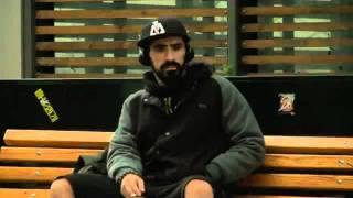 12ος Πίθηκος  H μοναξιά στο πεζοδρόμιο Official Music Video