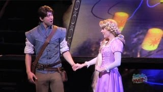 "Rapunzel, Flynn Rider sing ""I See The Light"" at Disneyland + Mulan, Pocahontas in Princess medley"