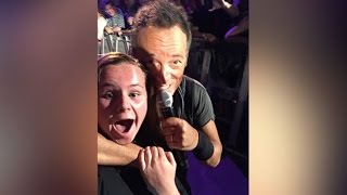 Bruce Springsteen Takes Perfect Selfie With 13-Year-Old