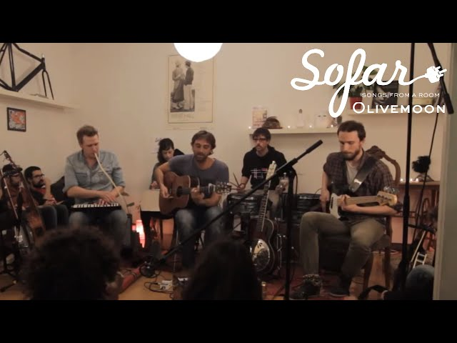 "Vídeo de Olivemoon interpretando ""A Cliff"" en Sofar Barcelona."