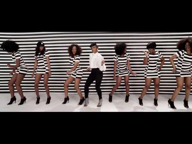 """Vídeo oficial de """"Q.U.E.E.N."""" de Janelle Monáe feat. Erykah Badu."""