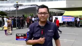 Live Report di Juanda Para keluarga penumpang Air Asia QZ 8501 menanti kabar - NET12