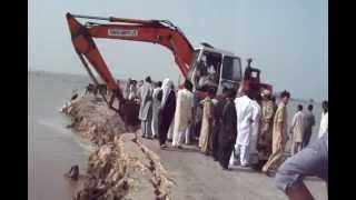 Jacobabad Derah Allah Yar Bye Pass Cuts Flood 2012.