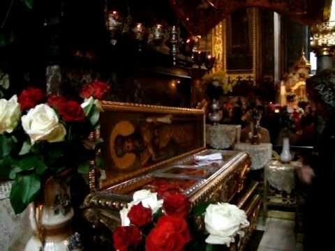 2011.12.17.(8)_St.Varvara-Martyr-relics_St.King-Volodymyr-Cathedral_Kyiv-Ukraine