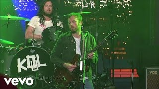 Kings Of Leon - Supersoaker (Live on Letterman)
