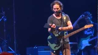 Pearl Jam - Lukin live in Montreal 2011