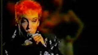 Eurythmics - Somebody told me ( live )