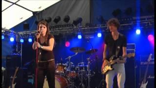 "Ella Stoffers sings ""Mommy [Selah Sue] (live) @ Gideon Festival 2011 (Groningen, NL)"