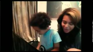 Beyonce sing a song Julez wrote for Blue