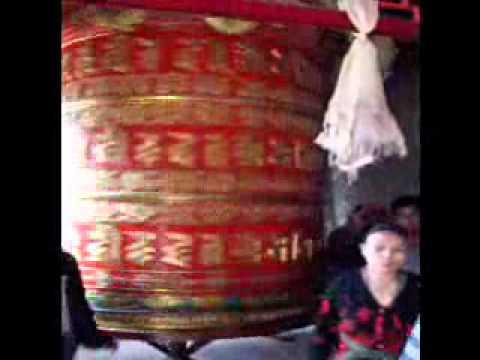 Giant Prayer wheel, Nepal, Kathmandu.wmv