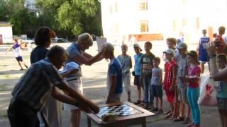 Награждается Иван Гончаров