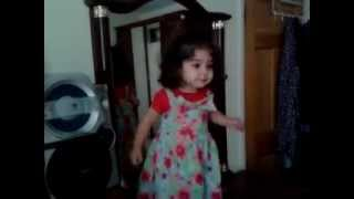 1 year old dancing to Shakira