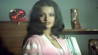 Romantic Scene of Rekha - Ghar width=