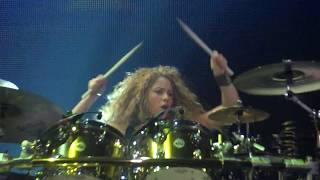Shakira - Can't Remember To Forget You (El Dorado World Tour Live in Bordeaux) HD