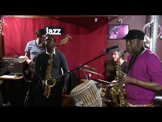 Video en directo de Akin & The Afrobeat Brothers en el Café Gijón (2017) - On the road again