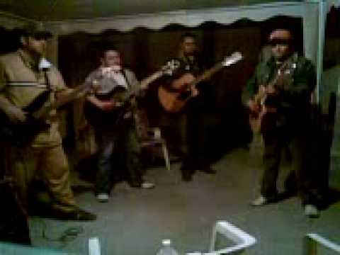 Mil Historias de Los Dukes De Sonora Letra y Video