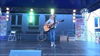 Kinga Siewierska - Love Yourself (acoustic cover live)