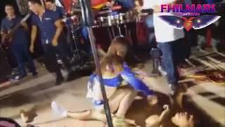 BAILARINA SE PASO CON SEXY EXCITACIÓN A JOVEN EN CONCIERTO DE BESITO SENSUAL