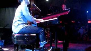 """John Legend & The Roots """"I Can't Write Left Handed"""" LIVE at Troubadour"""
