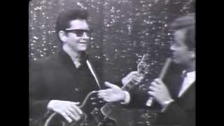 """OH, PRETTY WOMAN"" - Roy Orbison on American Bandstand 1966"