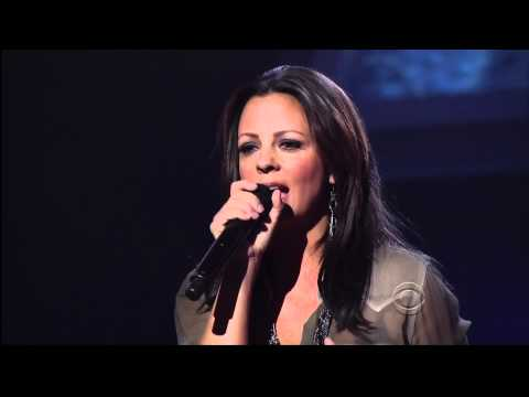 sara-evans-stand-by-your-man-april-22-2011-sarafan1971