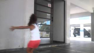 menina dança o maior  troféu damares