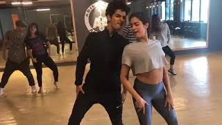 JANVI KAPOOR HOT DANCE !! ZINGAT PRACTICE !!
