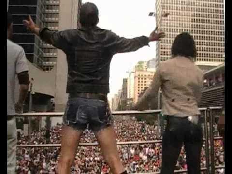 Dj Ed Caon Trio Canibal CUT 16ª Parada Gay LGBT  São Paulo-SP -  Britney Spears - I Wanna Go