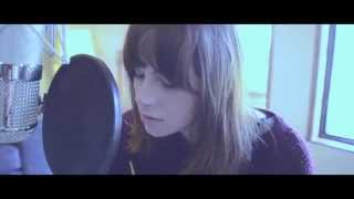 Gabrielle Aplin- Take me away (Live)