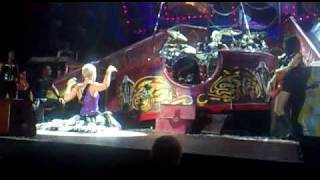 PINK - INTRODUCING HER BAND AND DANCERS!    FUNHOUSE TOUR LIVERPOOL