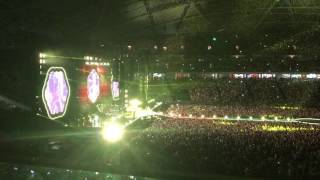 Coldplay - Yellow, Singapore 2017
