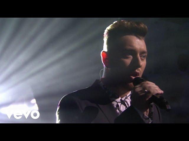 Video en directo de Sam Smith, cantando ''Lay Me Down'' en los BRIT AWARDS 2015.