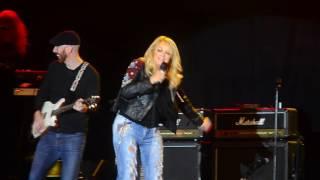 Bonnie Tyler performing 'It's a Heartache' at Torsjö Live 2016