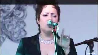 "Antonella Ruggiero - ""Blue moon""(live)"