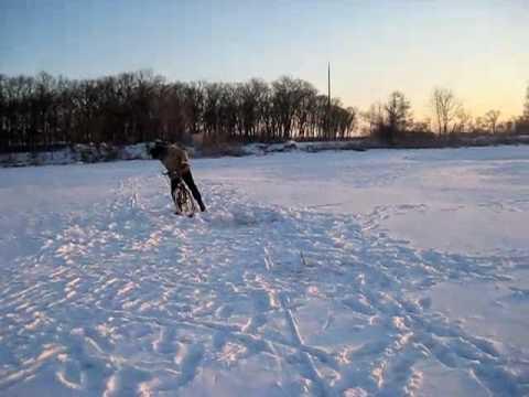 Зимой по замёрзшей по реке MVI 2687